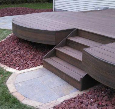 Raised, curved deck